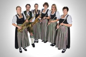 Flöten/Saxophone: Maria Kugler, Benedikt Gatt, Lina Bachhuber, Petra Böhm, Bianca Gammel, Elisabeth Zech