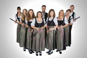 Klarinetten: Anja Beer, Sybille Domann, Judith Grimm, Maria Mayer, Max Kappelmeier, Katharina Koch, Uli Kiening, Uschi John, Michael Neuhofer